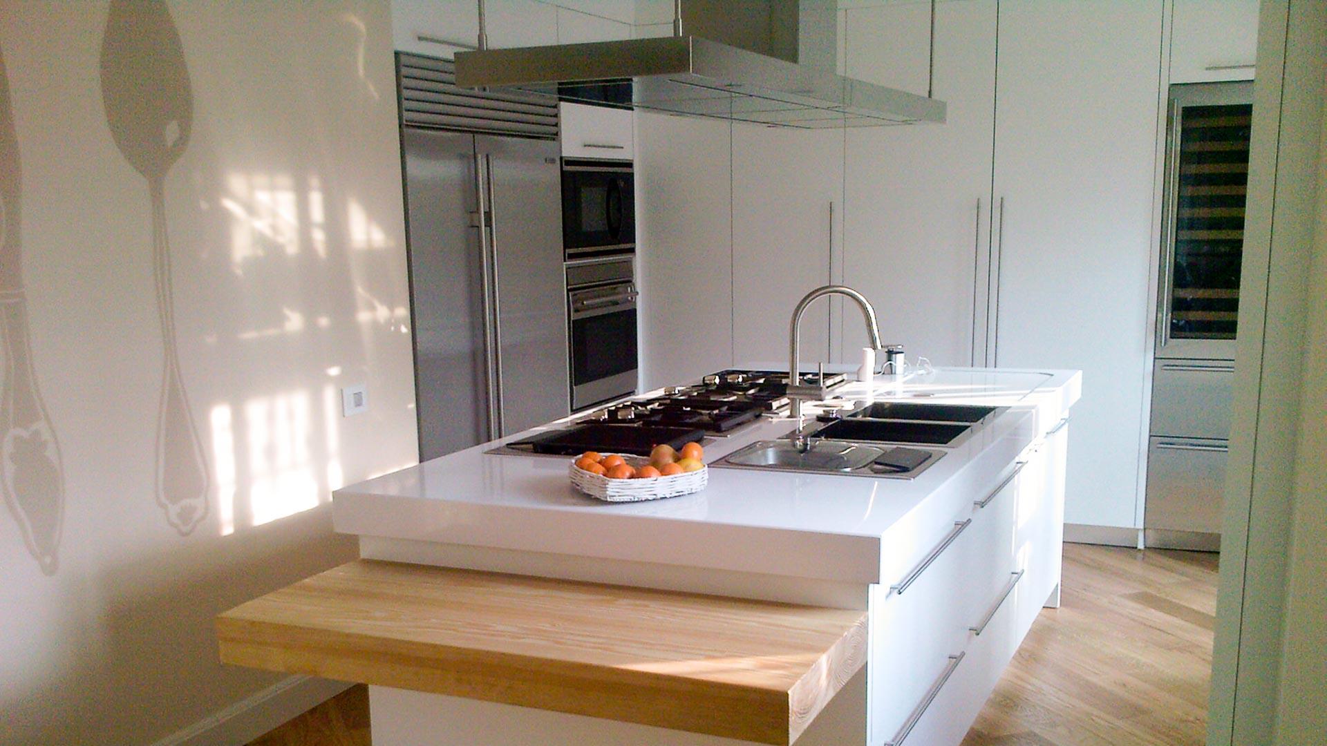 025 isola cucina bianca delta arredamenti su misura